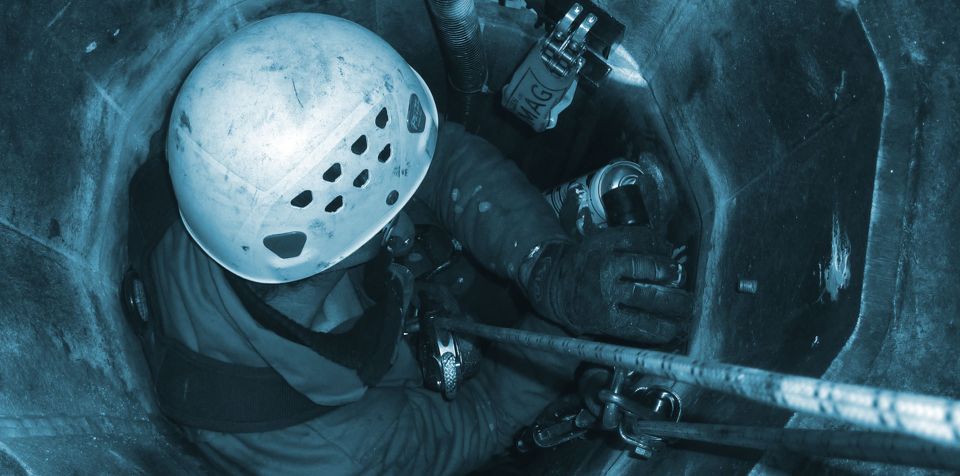 04-confined-space-rope-access